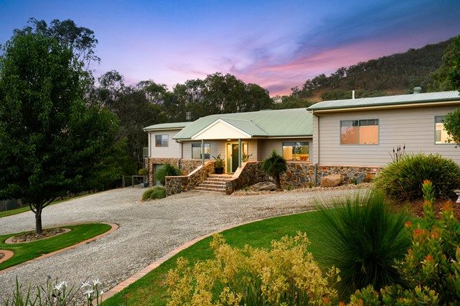 Picture of 15 Howards Road, BARANDUDA VIC 3691