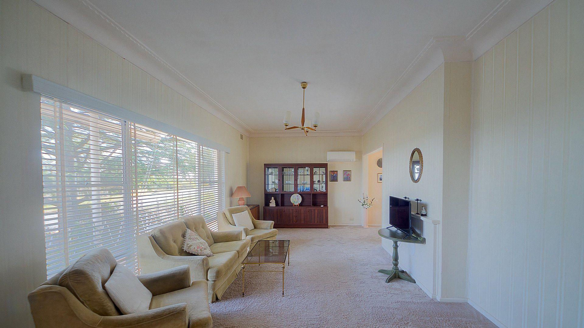 15 Henderson Street, Cowra NSW 2794, Image 2