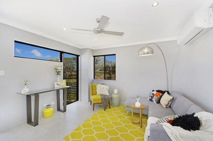 27 Huxley Crescent , Oonoonba QLD 4811, Image 2