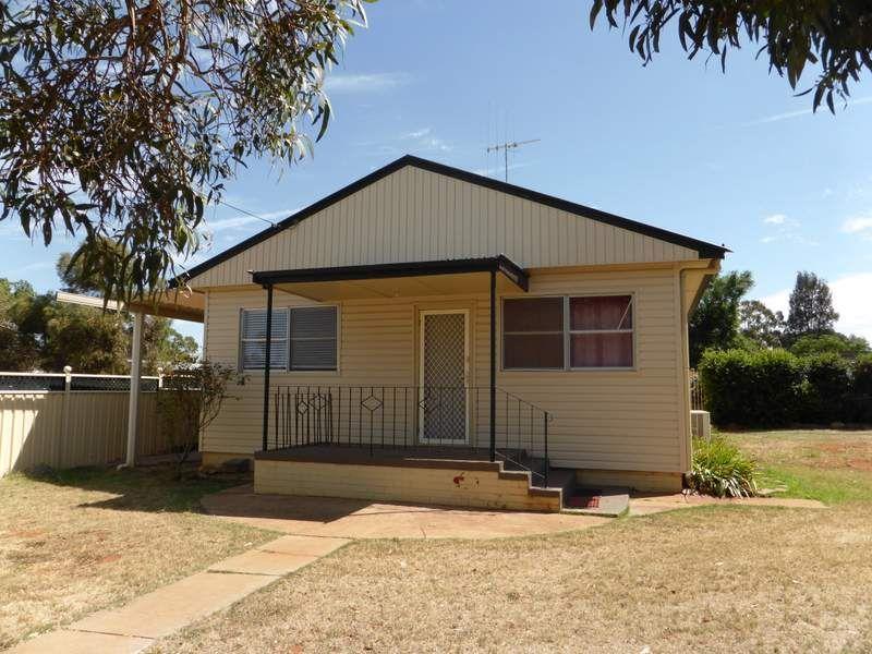 26 Webb Street, Parkes NSW 2870, Image 0