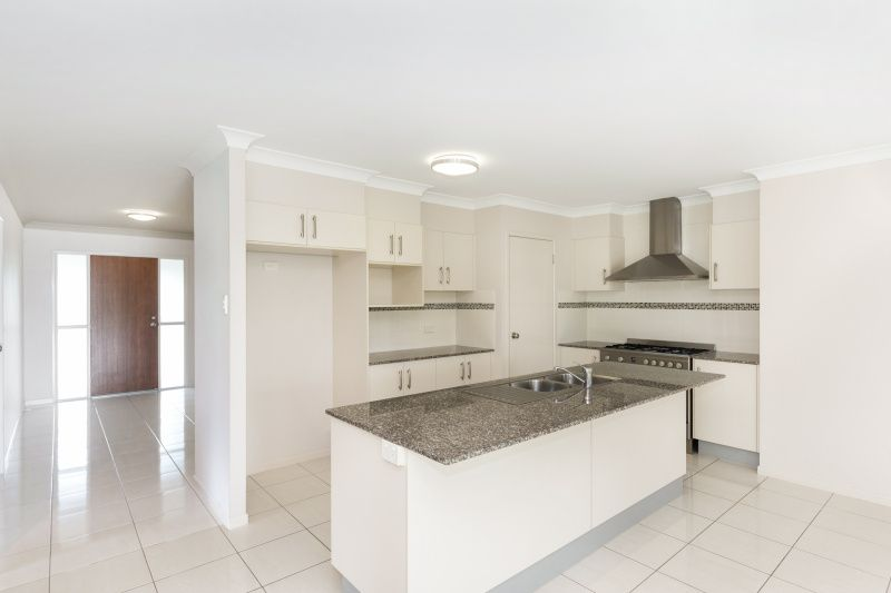 33-34 Renwick Court, Alligator Creek QLD 4816, Image 2