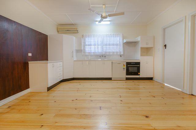 31 Dorothy Street, Silkstone QLD 4304, Image 2