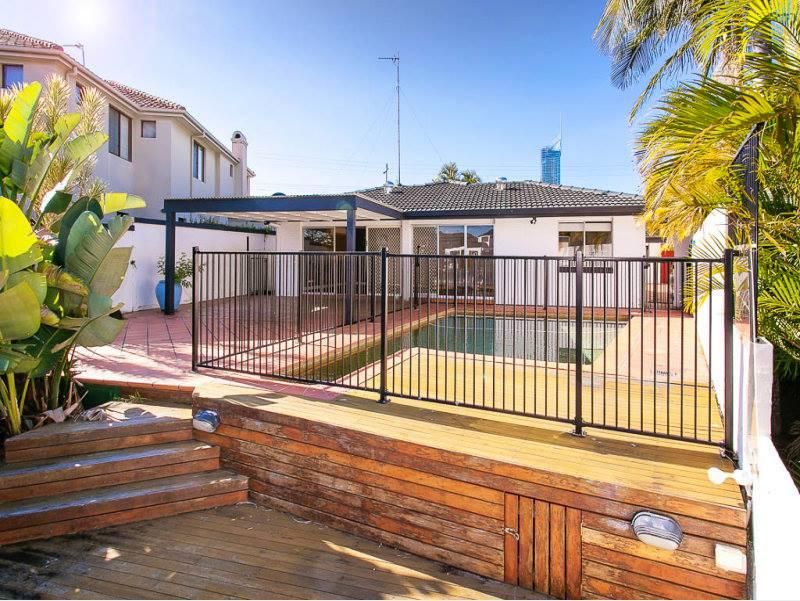 24 Salerno Street, Isle Of Capri QLD 4217, Image 1
