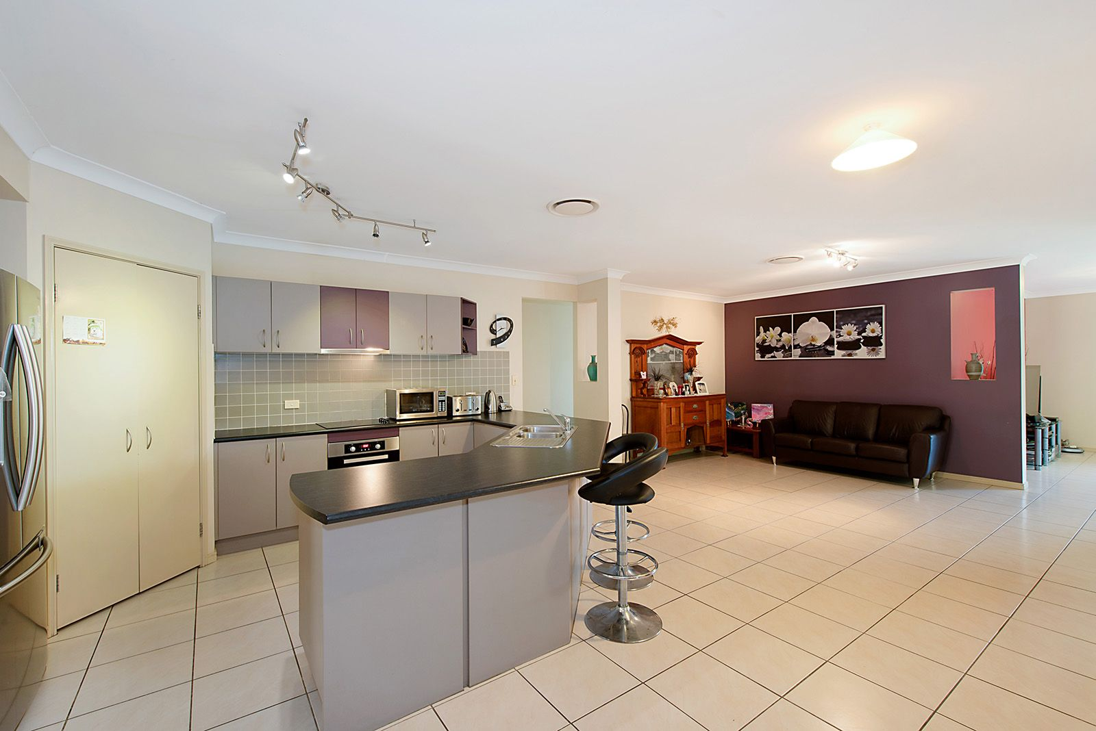 2 Cooroy Crescent, Deception Bay QLD 4508, Image 2