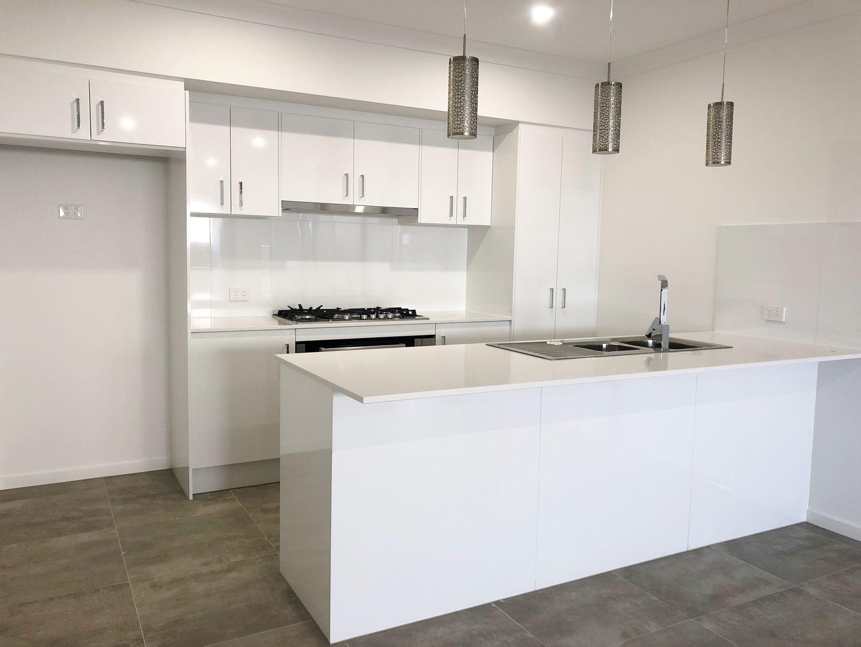 Unit 2/2 Girtin Cct, Pimpama QLD 4209, Image 1