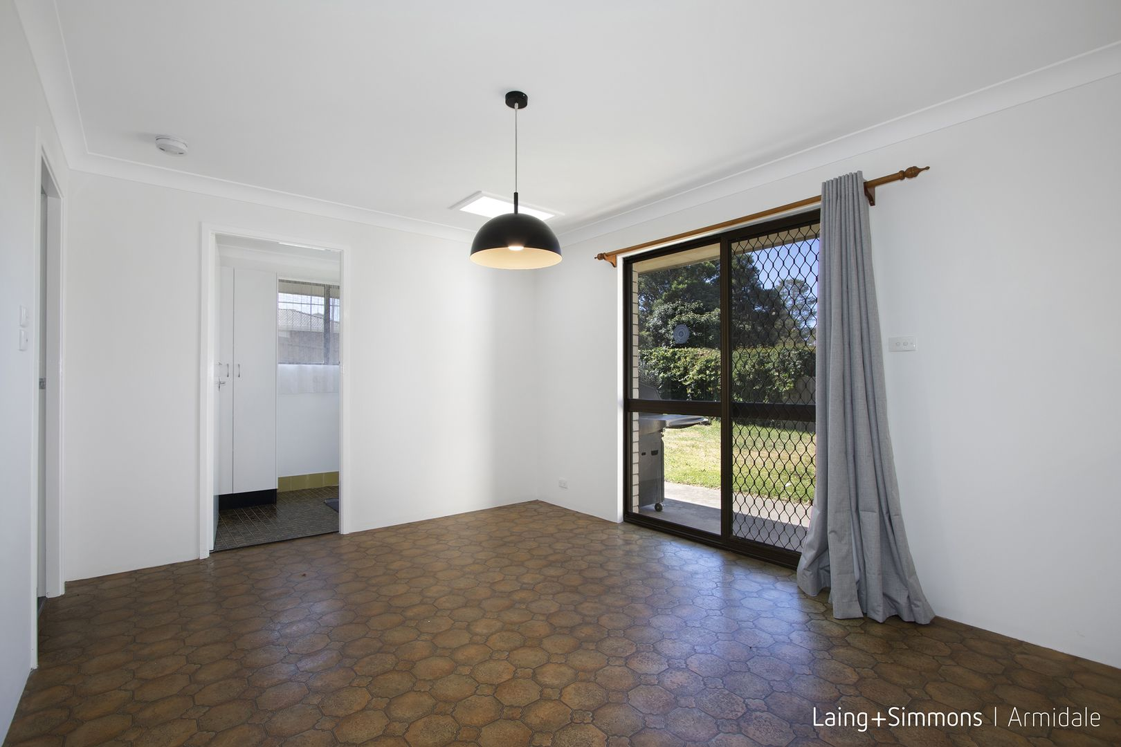 7 Simpson  Avenue, Armidale NSW 2350, Image 2