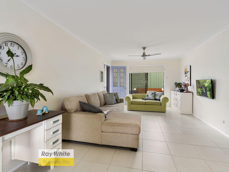 2/14 Callistemon Court, Arundel QLD 4214, Image 0