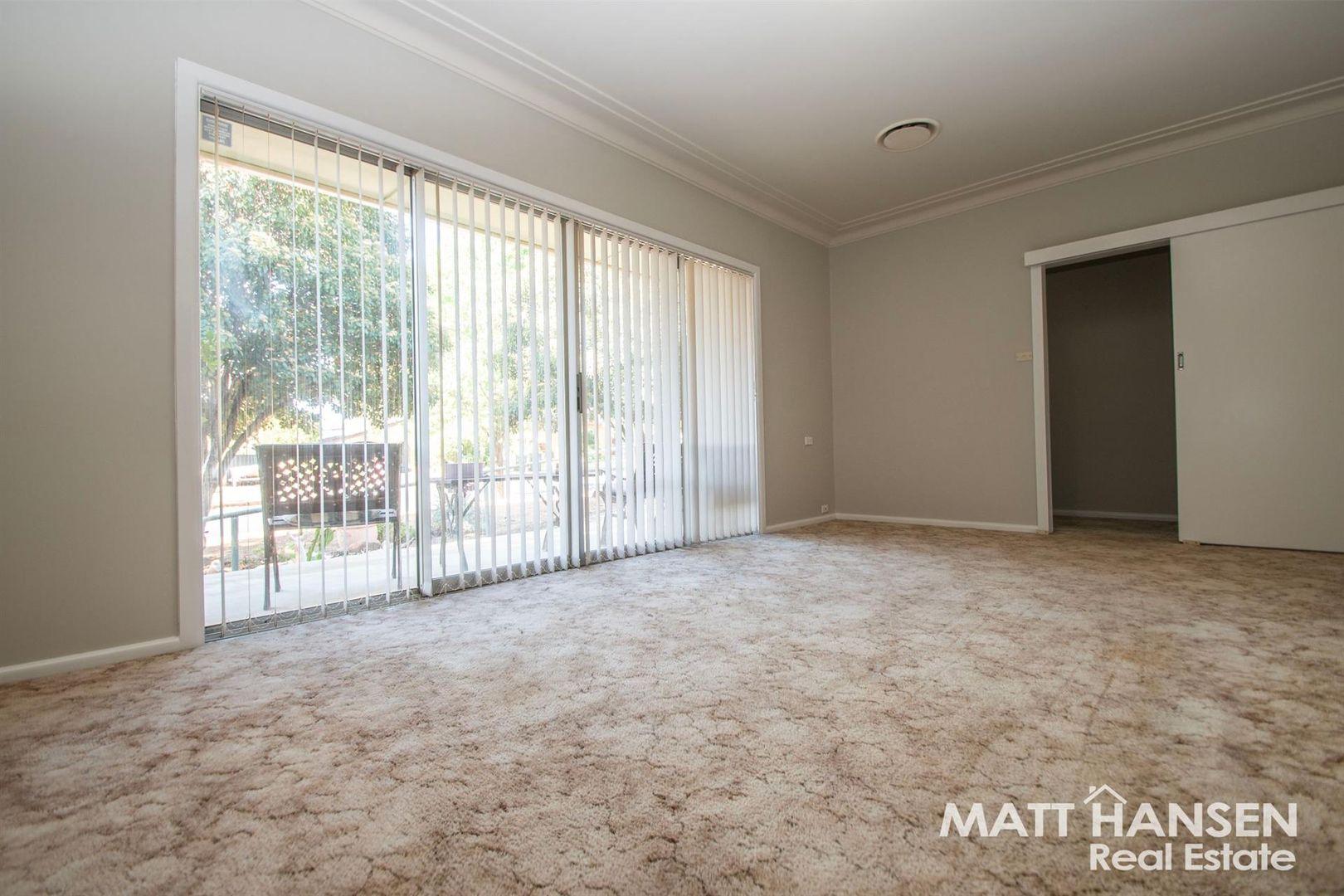 33 Banksia Crescent, Dubbo NSW 2830, Image 2