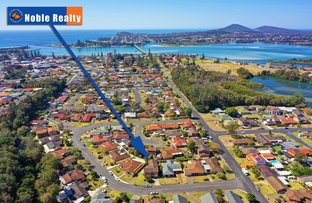 Picture of 2/7 Regency Circuit, Tuncurry NSW 2428