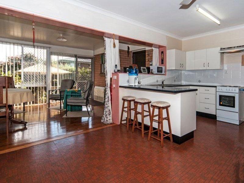45 Croxley Street, Harristown QLD 4350, Image 2