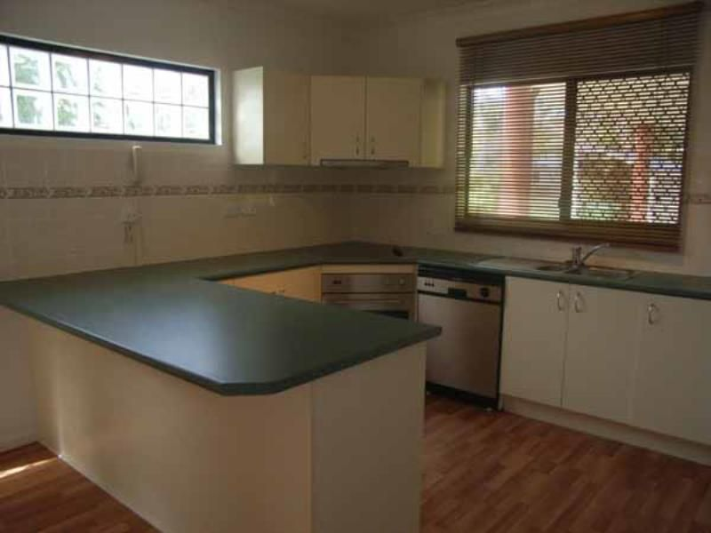 1/8 MACDONNELL RD, Redcliffe QLD 4020, Image 1