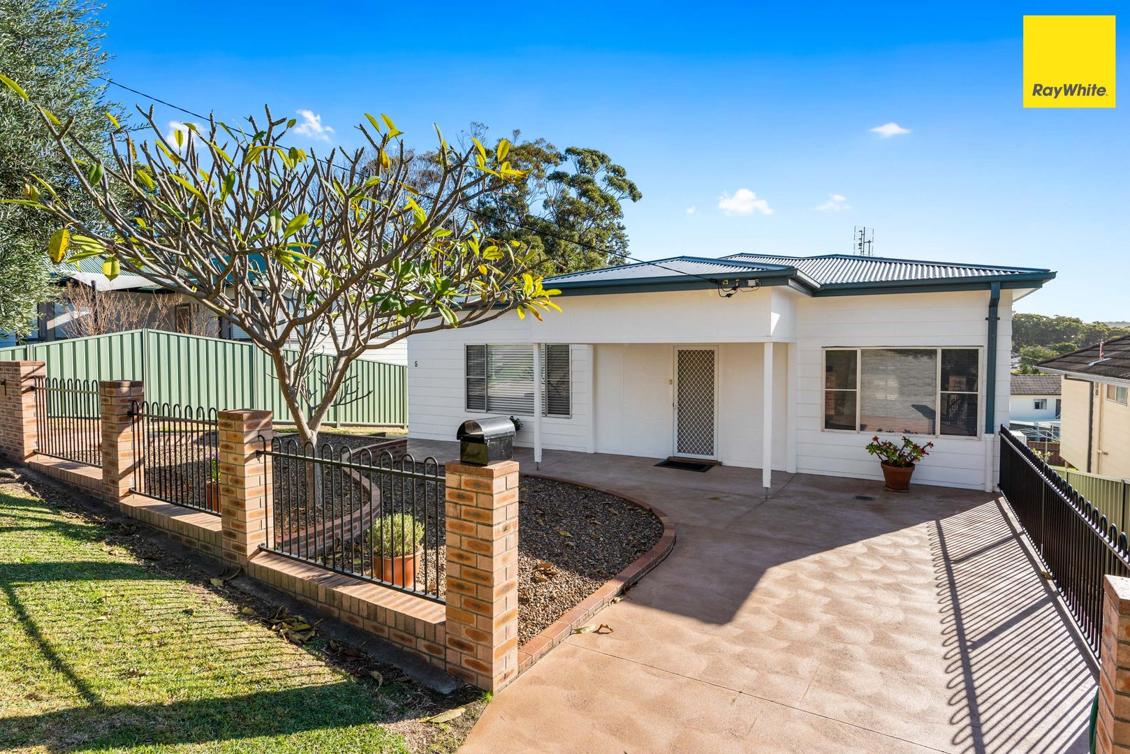 5 Macquarie Drive, Belmont NSW 2280, Image 0