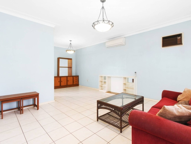 3 Banksia Crescent, Fairfield East NSW 2165, Image 1