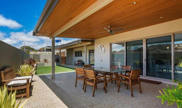 1 St Georges Close, Bluff Point WA 6530, Image 2