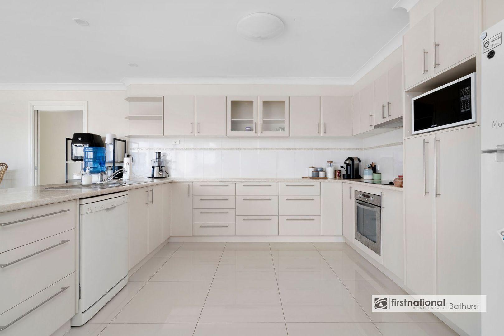 89 Darwin Drive, Llanarth NSW 2795, Image 2