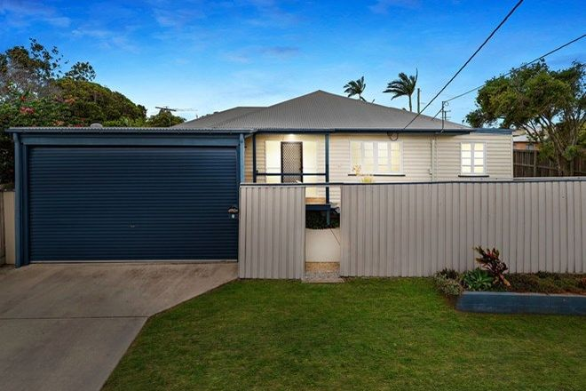 Picture of 2 Bradley Road, CLONTARF QLD 4019