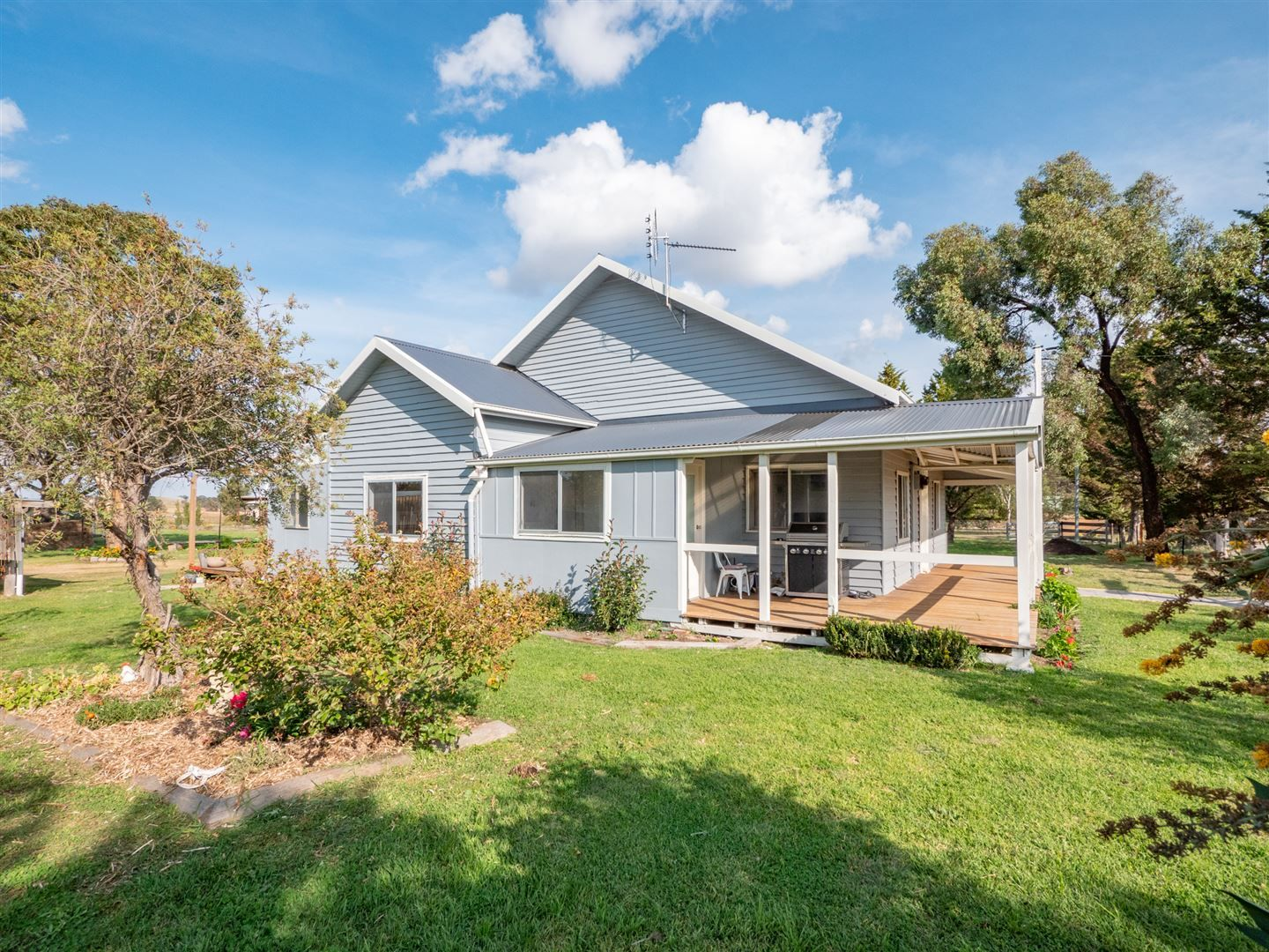 25 Eastern Avenue - Kentucky NSW 2354, Uralla NSW 2358, Image 1