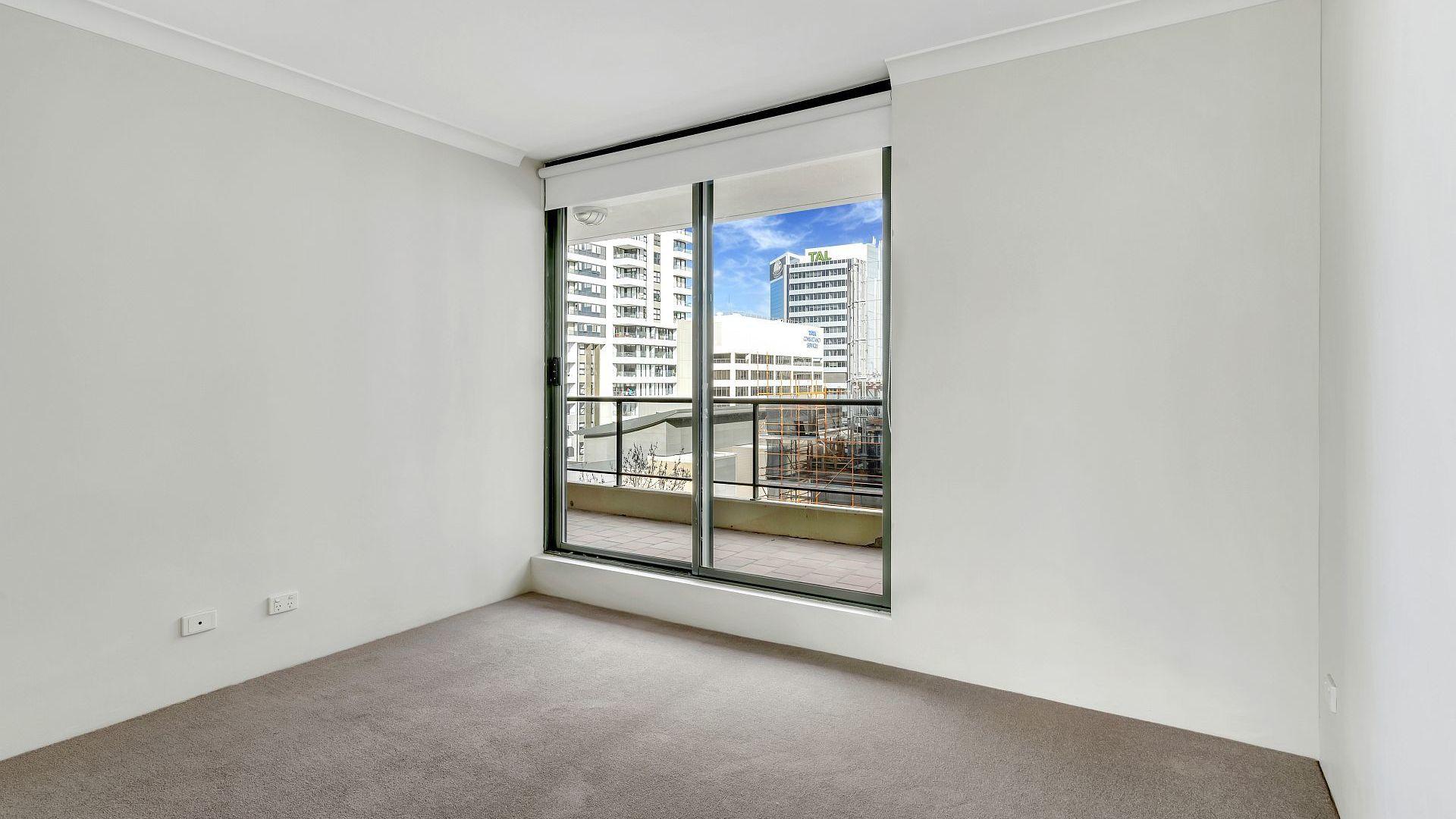 706/37-39 Mclaren Street, North Sydney NSW 2060, Image 2