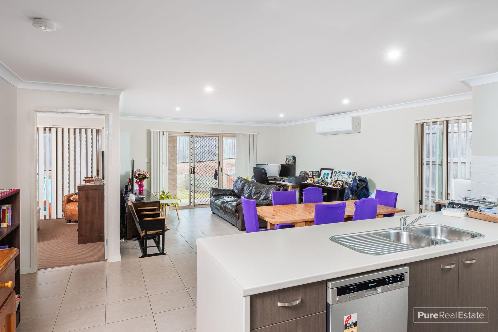 11 Oliver Place, Ormeau QLD 4208, Image 2