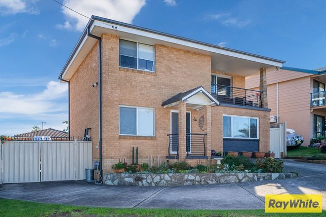 Picture of 28 Derribong Avenue, CATALINA NSW 2536
