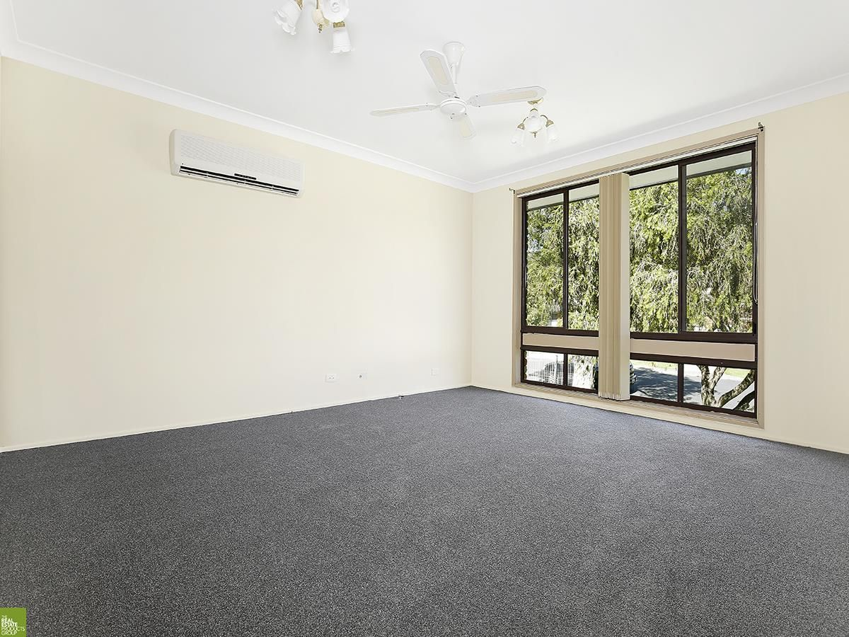 8 Newcombe Street, Berkeley NSW 2506, Image 2
