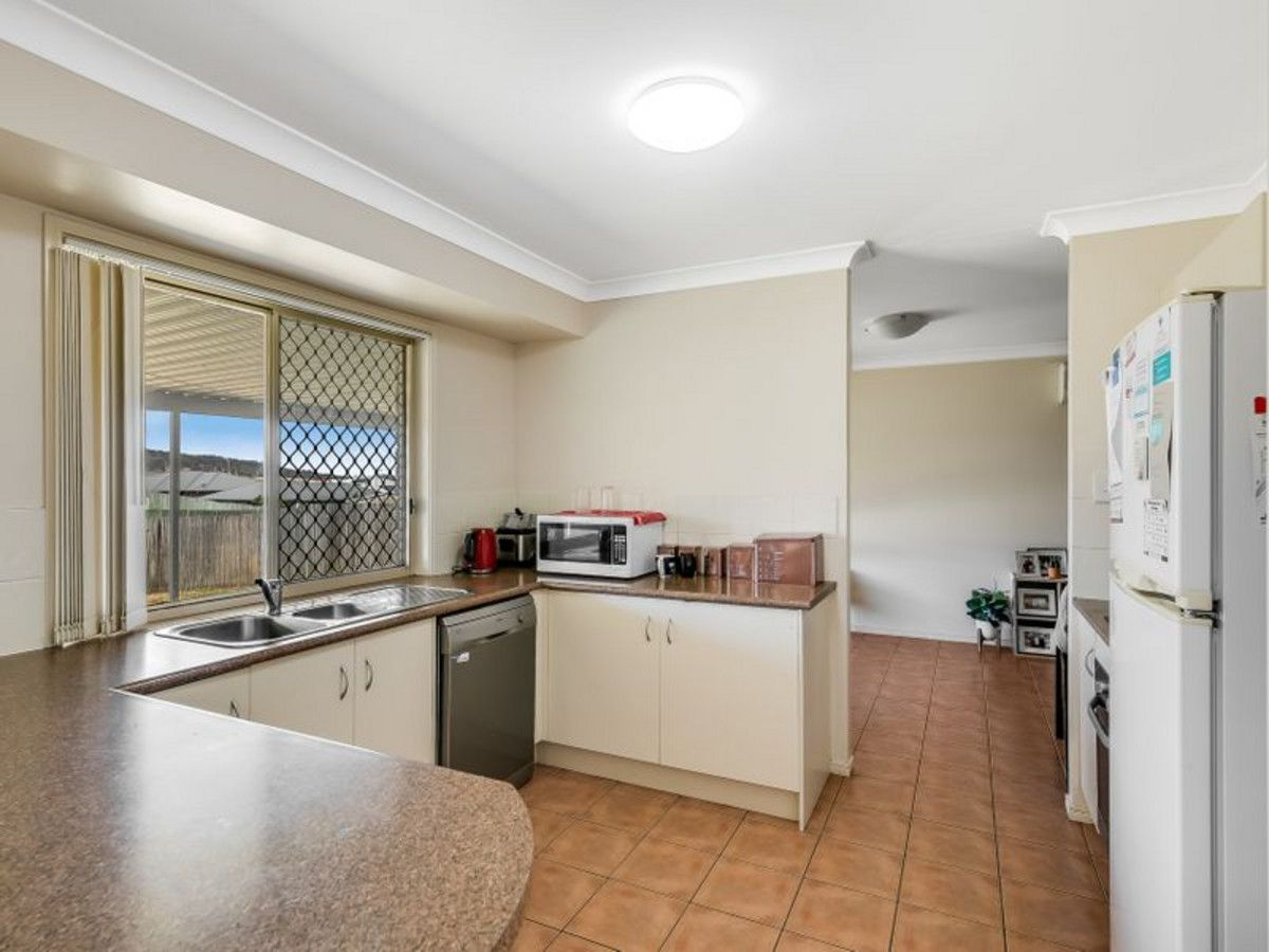 16 Barambah Street, Glenvale QLD 4350, Image 2