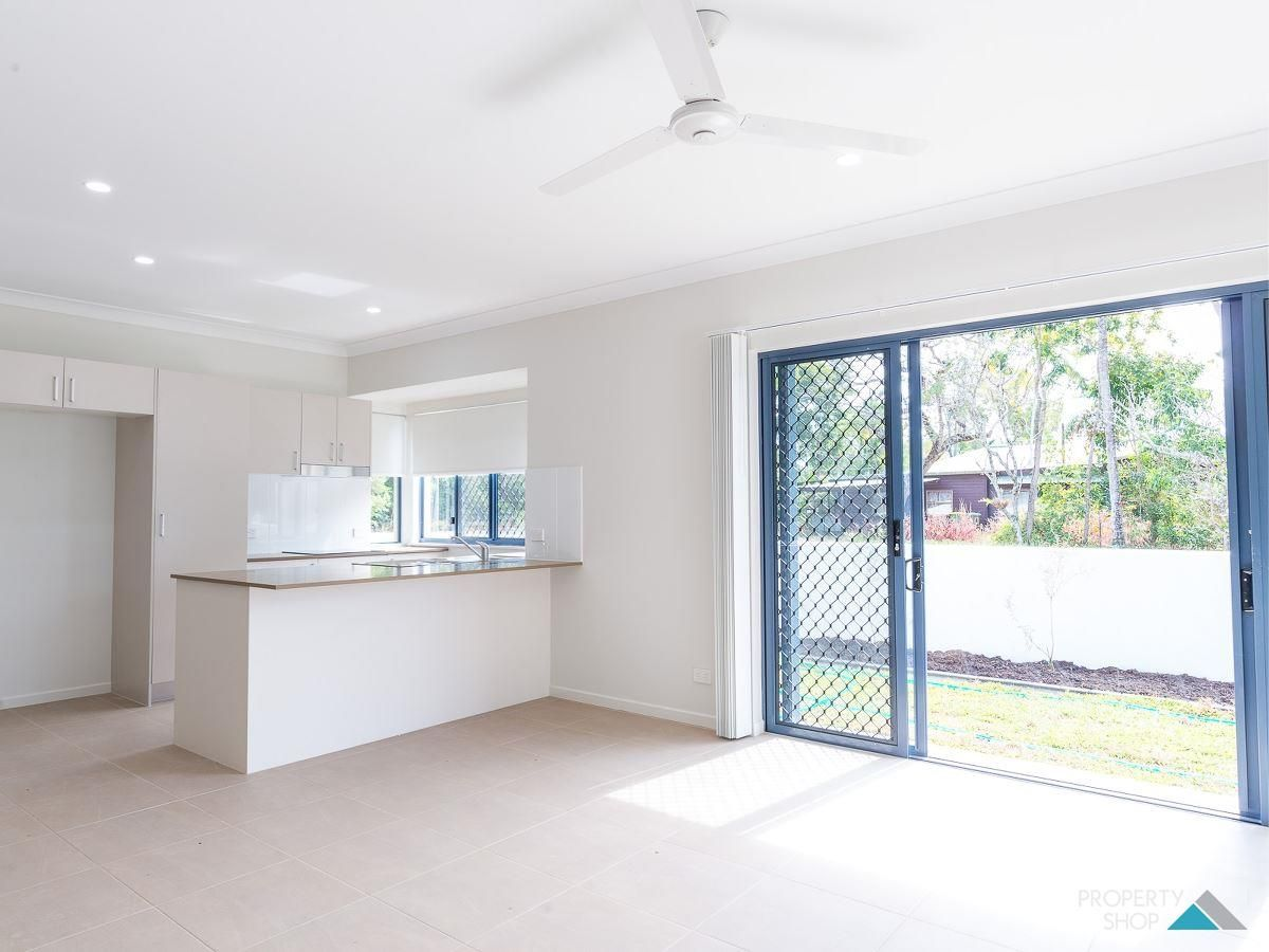 1 & 2/73 Casuarina St, Holloways Beach QLD 4878, Image 2