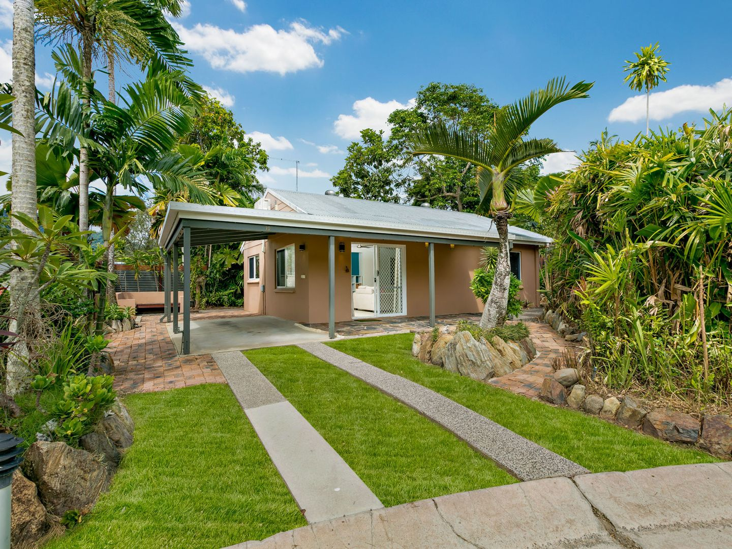 10/191-199 Woodward Street, Whitfield QLD 4870, Image 0