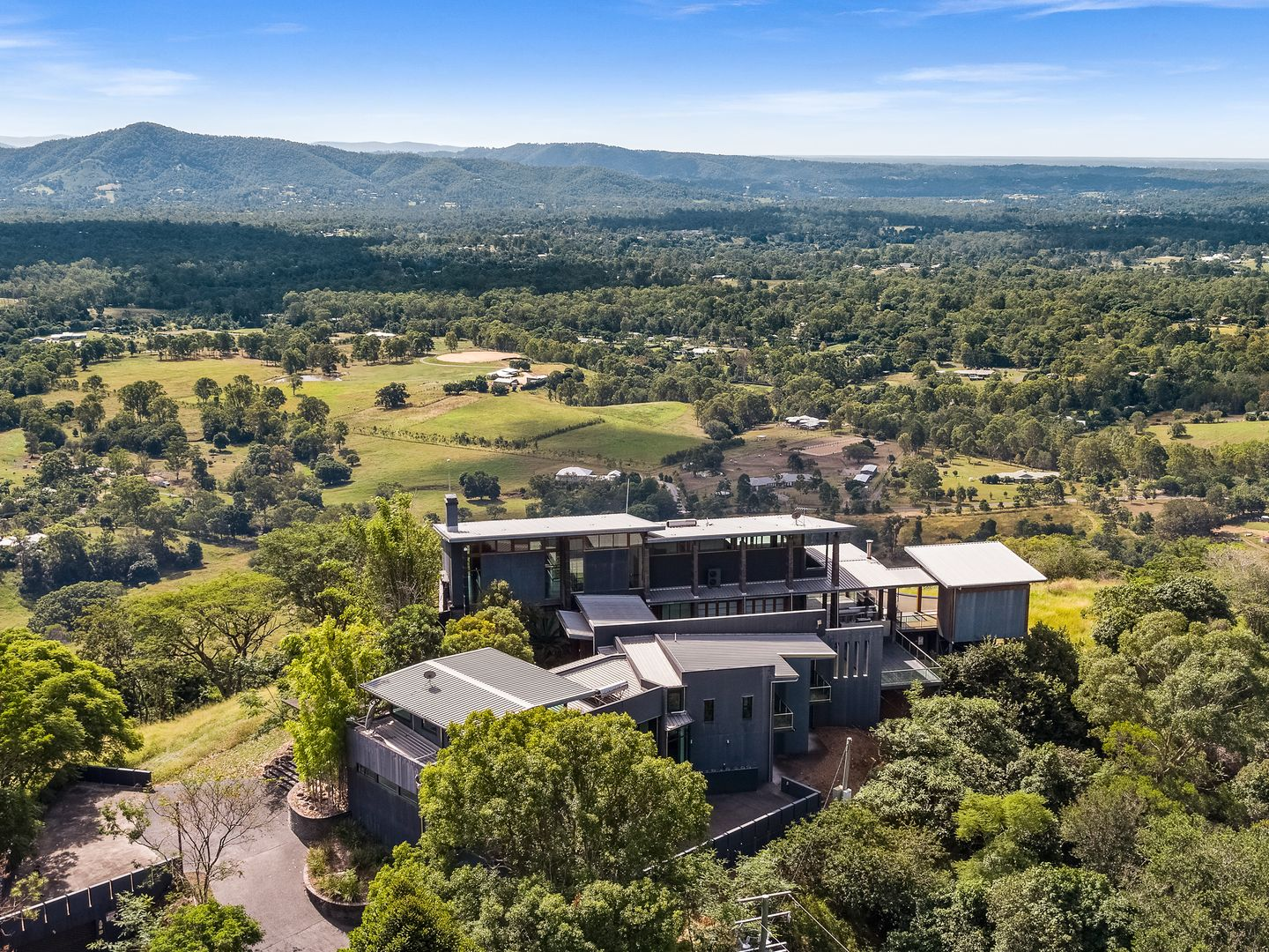 948 Mount Nebo Rd, Jollys Lookout QLD 4520, Image 0