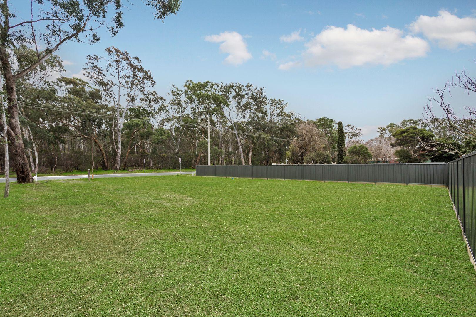 2 & 3/157/159 Crusoe Road, Kangaroo Flat VIC 3555, Image 1