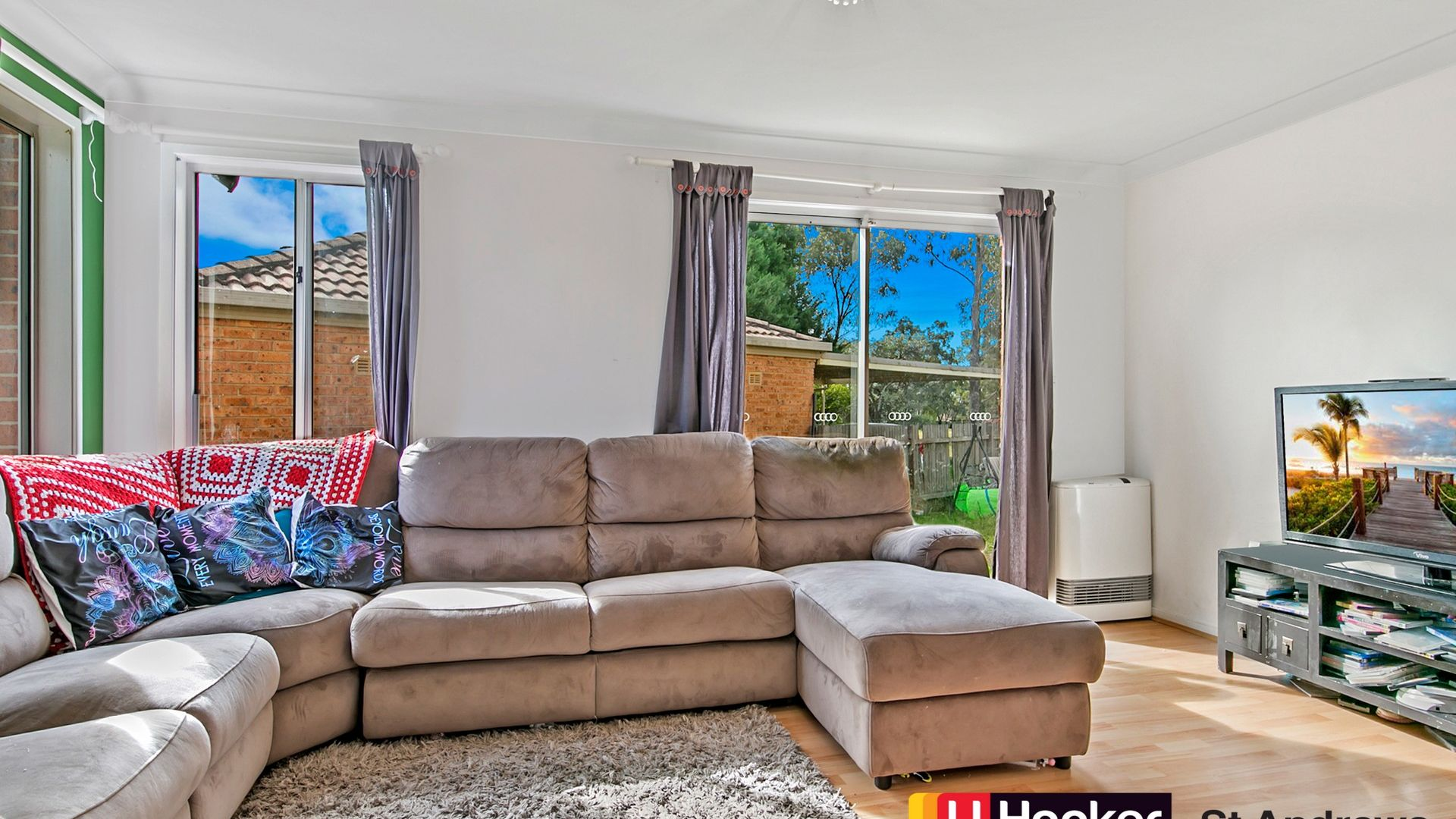 33 Mackillop Crescent, St Helens Park NSW 2560, Image 1