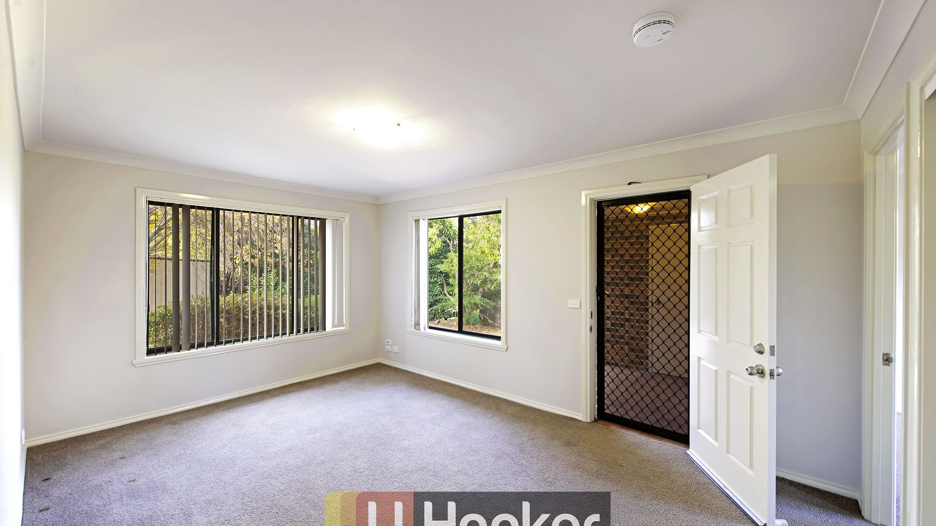 14 Leonard Close, Dunlop ACT 2615, Image 2