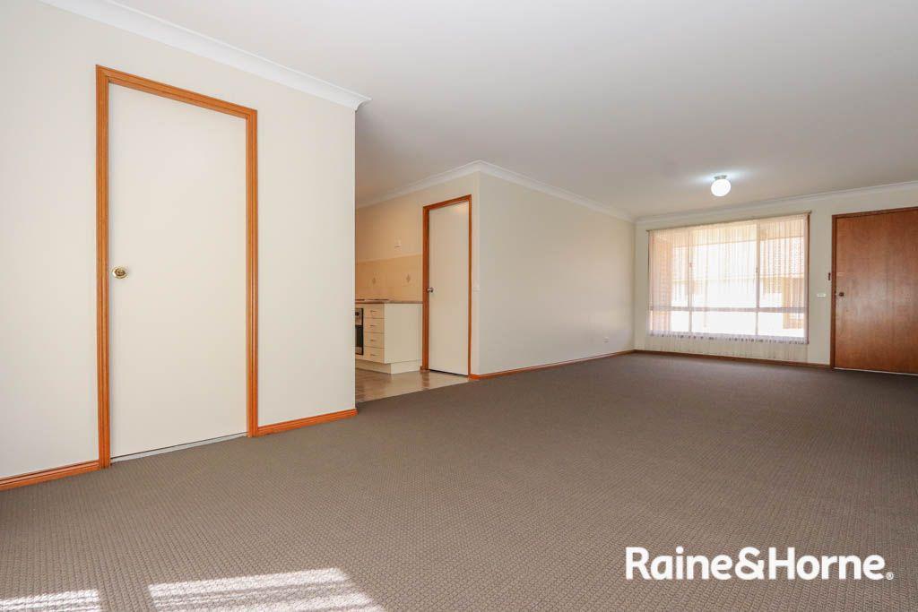4/196 Piper Street, Bathurst NSW 2795, Image 2
