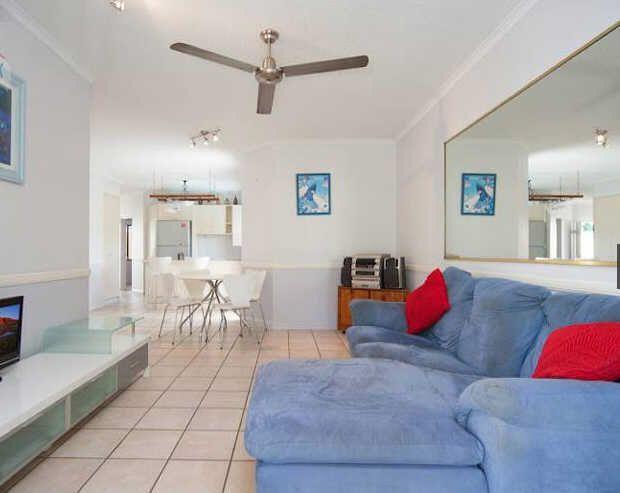 4/221 Lake Street, Cairns North QLD 4870, Image 2