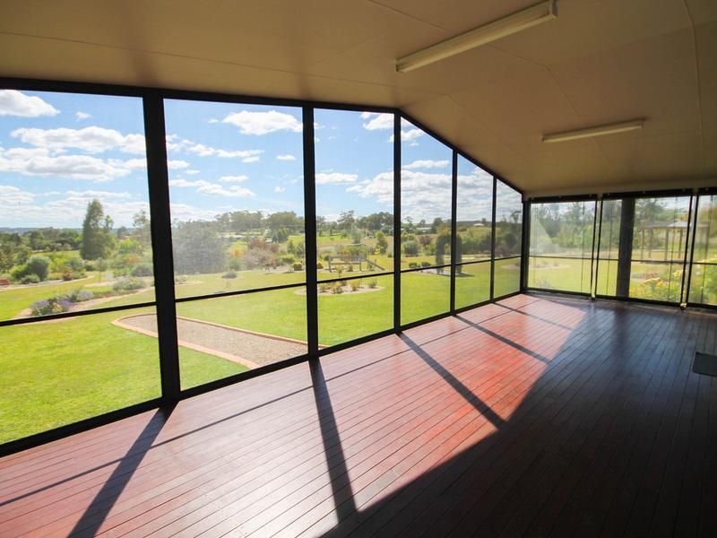 22 Hampton Court, Inverell NSW 2360, Image 2