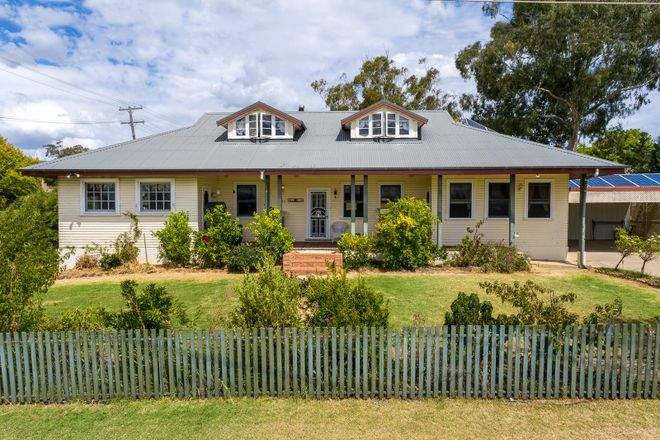 Picture of 62 Park Street, MOLONG NSW 2866