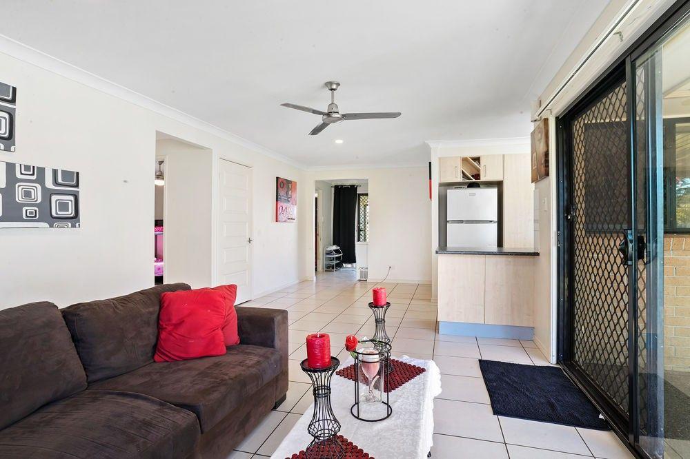 24 Hedges Ave, Burpengary QLD 4505, Image 2