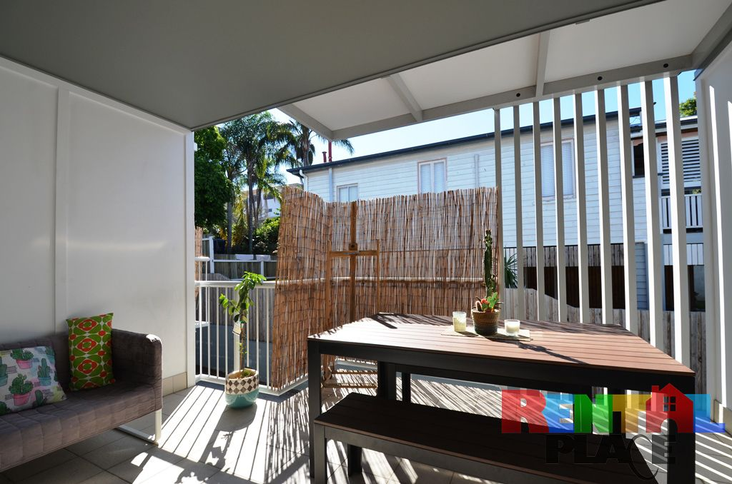 Unit 2/17 Wickham St, Morningside QLD 4170, Image 2