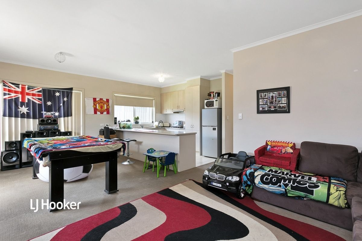 12 Albert Court, Andrews Farm SA 5114, Image 2