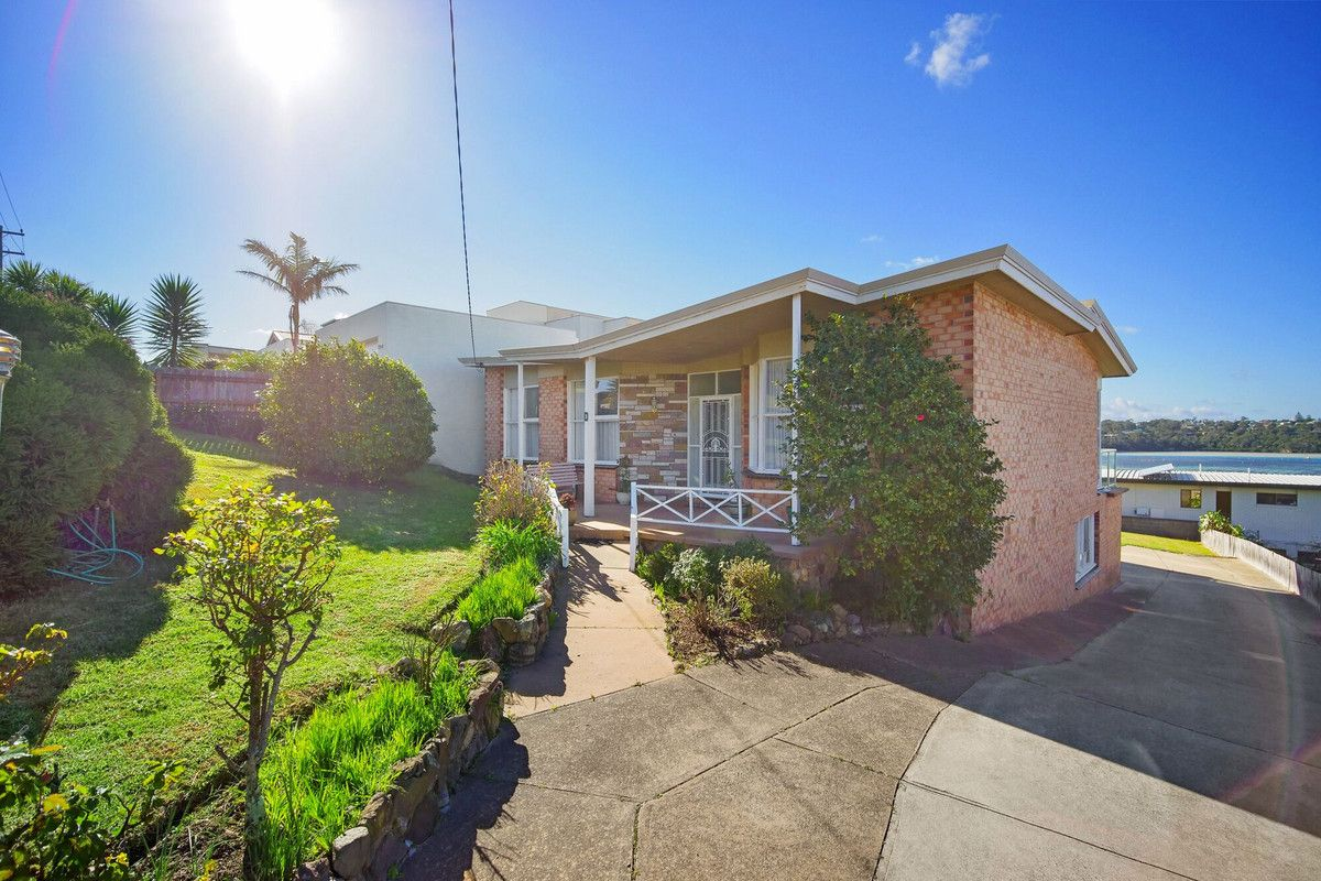 8 Ocean View Avenue, Merimbula NSW 2548, Image 1