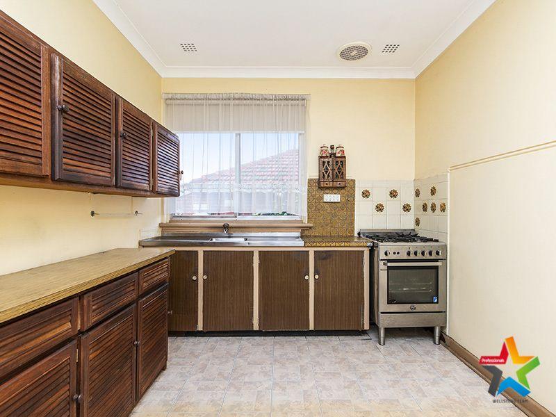 10 Beesley Street, East Victoria Park WA 6101, Image 2