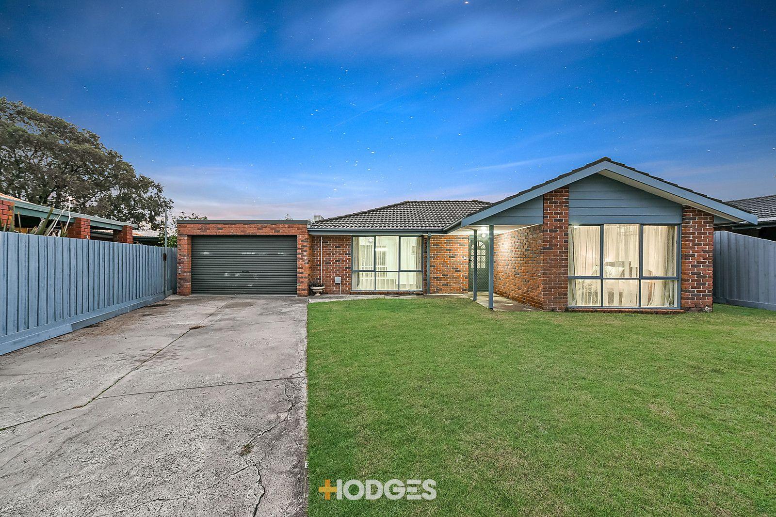 22 Flinders Court, Cranbourne North VIC 3977, Image 0