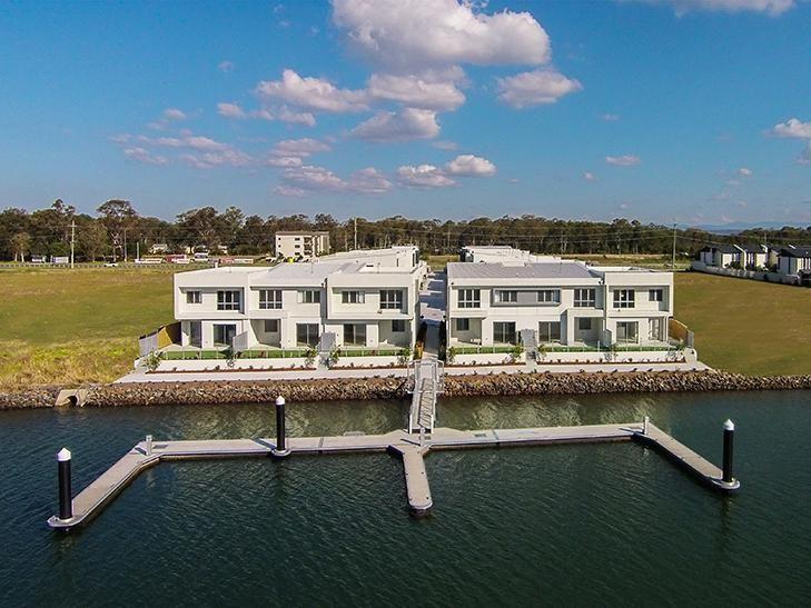 8/156 Marina Quays Boulevard, Hope Island QLD 4212, Image 0