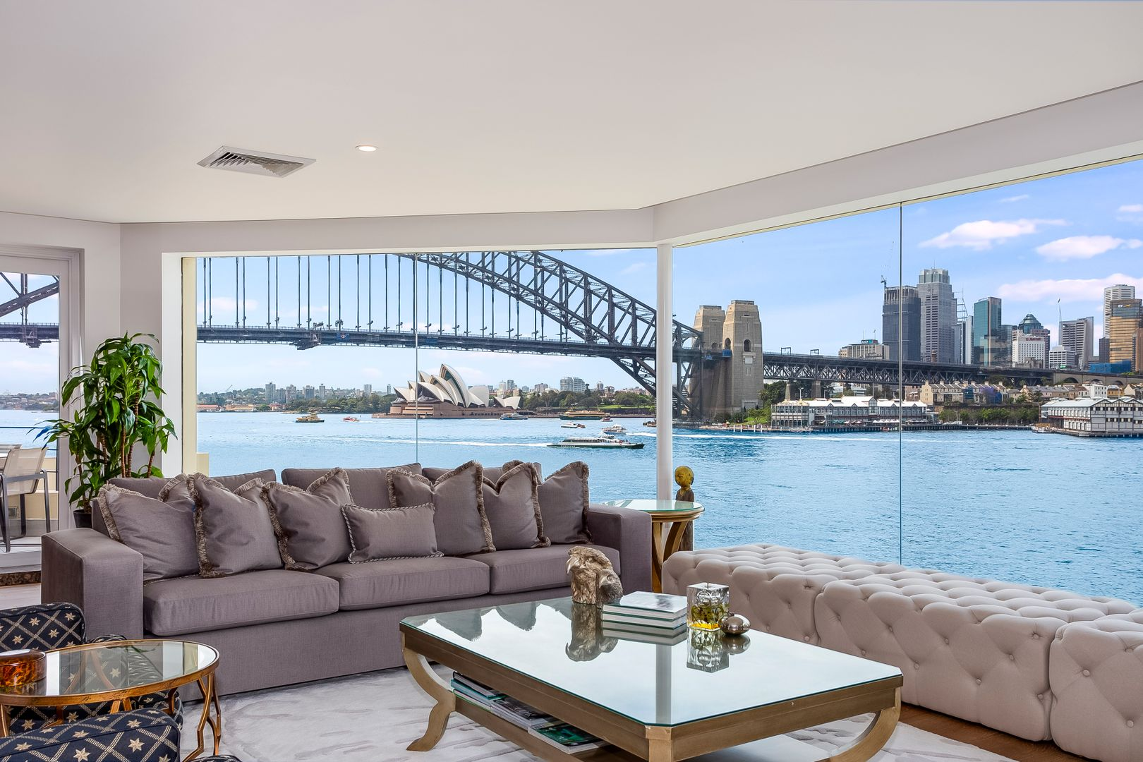 9/1 East Crescent  Street, Mcmahons Point NSW 2060, Image 1