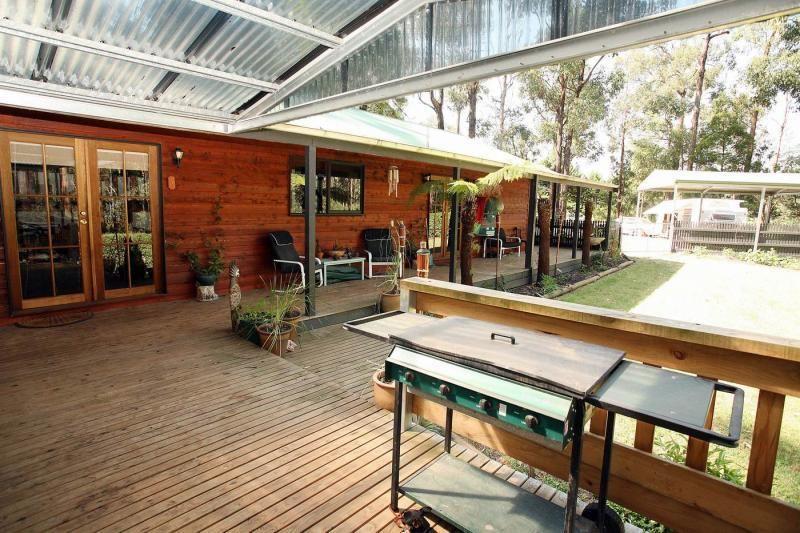 24 Glen Road, Cockatoo VIC 3781