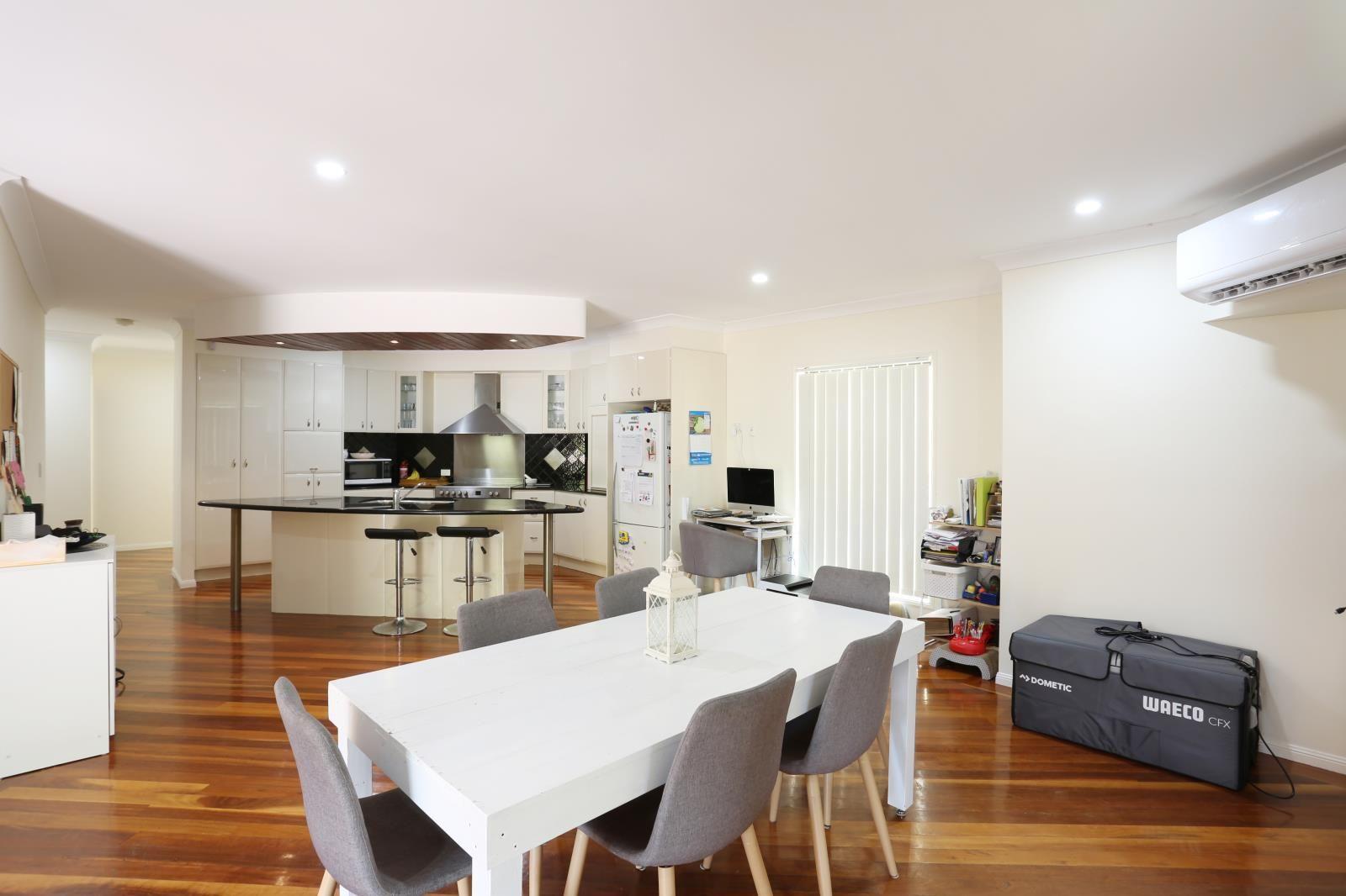 14 Petworth Court, Arundel QLD 4214, Image 1
