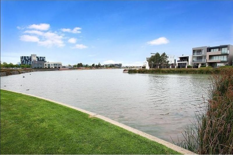 8/2 The Esplanade, Caroline Springs VIC 3023, Image 1
