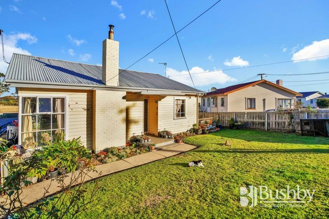 Picture of 18 Hume Street, MAYFIELD TAS 7248