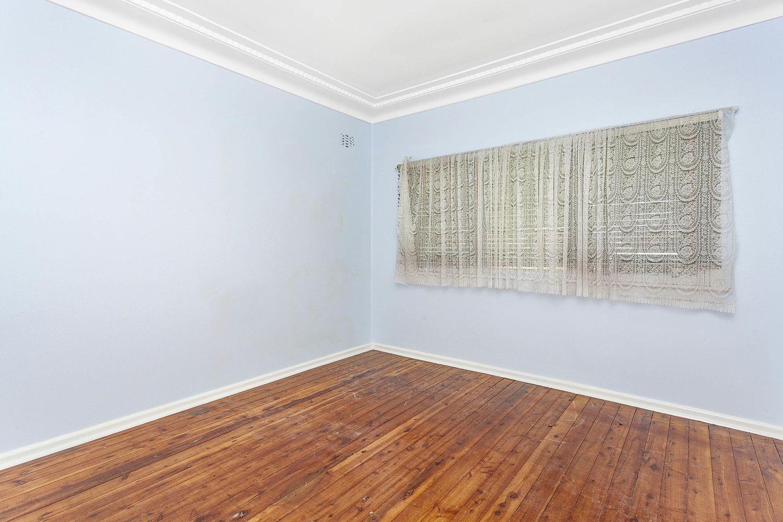 27 Cairo Avenue, Padstow NSW 2211, Image 2