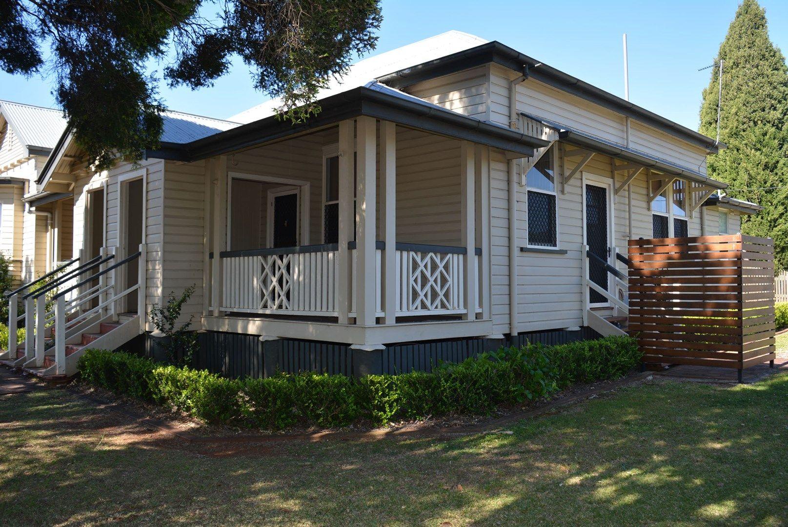 2/124 Hume Street, East Toowoomba QLD 4350, Image 0